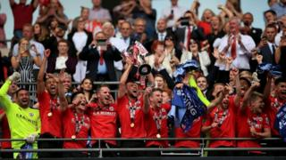 Barnsley to mark Championship promotion with bus tour - BBC News