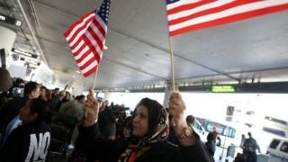 فرمان مهاجرتی پیشین دونالد ترامپ انتقاد و اعتراضاتی گسترده را در پی داشت