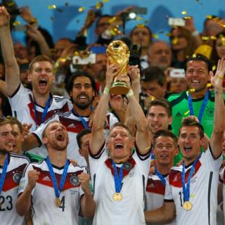 Alemania levanta el trofeo en 2014