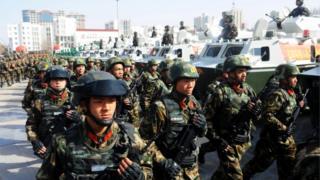 حضور تکاوران پلیس در منطقه سینکیانگ