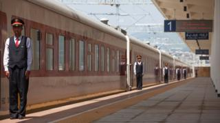 Employés chinois de la ligne de train Addis-Abeba/Djibouti à la gare Feri à Addis-Abeba, le 24 septembre 2016