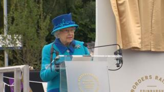 Queen opens railway