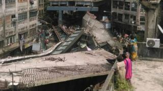 Wreckage of Kolkata flyover (31 March)