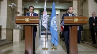 UN Secretary-General Ban Ki-moon, (R), speaks next to Swiss Peter Maurer, (L), President of the International Committee of the Red Cross (ICRC), at a press conference in Geneva on 31 October 2015