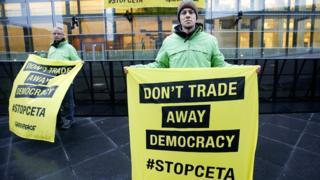 Greenpeace anti-Ceta protest, Luxembourg, 18 Oct 16