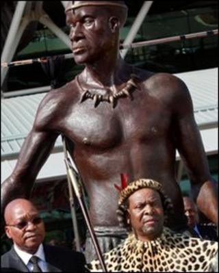 President Jacob Zuma (l) and Zulu King Goodwill Zwelithini (r) stand in front of a 3m-high statue of Zulu King Shaka at King Shaka International Airport, Durban, 8 May 2010