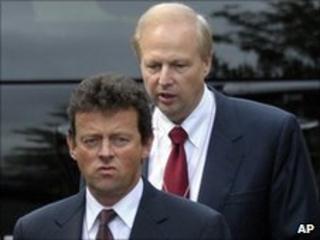 Tony Hayward (front) and Bob Dudley