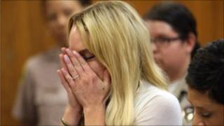 Lindsay Lohan cries in court. Photo: 6 July 2010