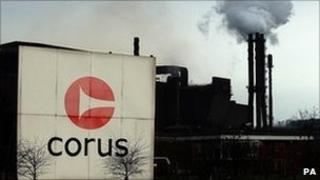 Tata steels managing director hemant nerurkar (l) and tata steel europes managing director karl-ulrich koehler
