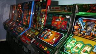 Gambling age law uk