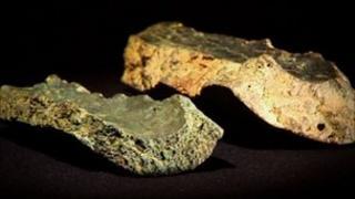 Towton gun fragments