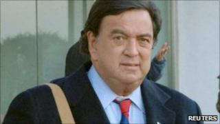 Bill Richardson, arriving in Pyongyang on 16 December 2010