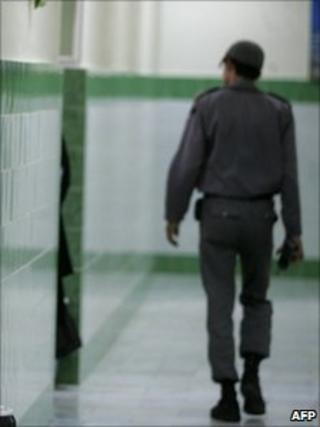 Guard in Evin prison (file photo)