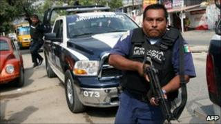 Police in Acapulco on 8 January 2011