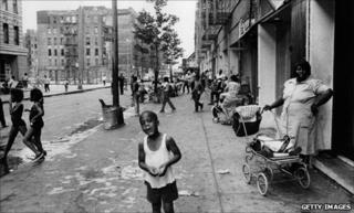Harlem street scene 1960