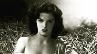 Jane Russell on the set of the Outlaw