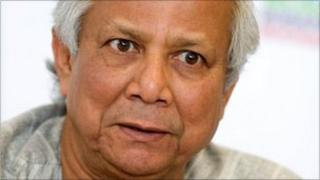 Nobel Peace Prize winning Bangladeshi professor of economics and founder of Grameen Bank Muhammad Yunus speaks during a press conference in the Palace of Arts in Budapest in this July 7, 2010 file photo.