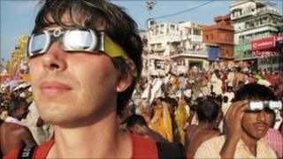 Professor Brian Cox witnessing the 2009 total solar eclipse in Varanasi, India