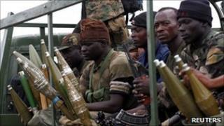 Troops loyal to Alassane Ouattara head to Abidjan (3 April 2011)
