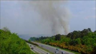 Smoke from Lightwater Country Park over M3 (Pic: Bill Carter)