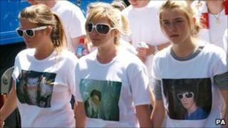 (L-R) Jade Kinsella, Brooke and Georgia on 1 July 2008