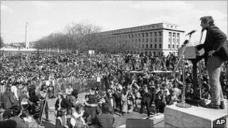 Daniel Ellsberg, chief defendant in the Pentagon Papers case, at an anti-Vietnam War rally in Pennsylvania on 1 April 1972.