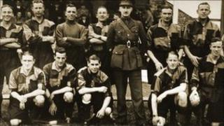 Wartime Wanderers team. [photo courtesy of boltonswar.org.uk]