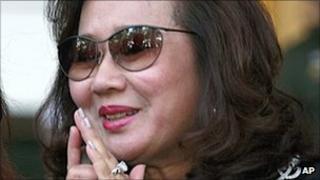 Pojaman Na Pombejra leaves court in Bangkok (24 August)