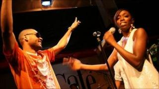 Estelle and Kano at the Jazz Cafe in 2007