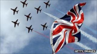 The Red Arrows flying in an eight-man formation