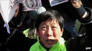 File image of Park Sang-hak, launching leaflets on 16 February 2009