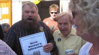 Brian Blessed at Bagshot library protest