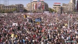 Pro-Assad demonstration in Aleppo. Photo: 19 October 2011