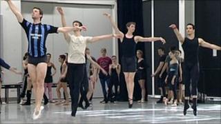 Northern Ballet dancers rehearse