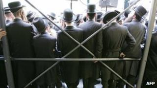 Orthodox Jews gather in New York City, 24 July 2007