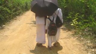 Children going to Sunday Buddhist school in Sri Lanka (Photo: RG Dharmadasa)