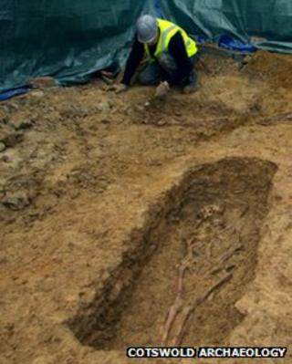 Roman skeleton in grave