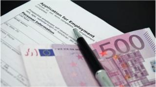 Job application and 500 euro note