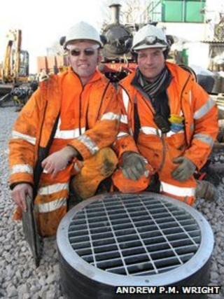 Railway staff Alistair Hall (left) and Barry Light (right)