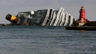 The stricken cruise liner Costa Concordia off Giglio (17 January)