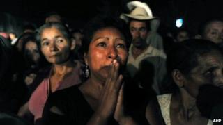 Relatives continue to wait for news outside the Comayagua prison