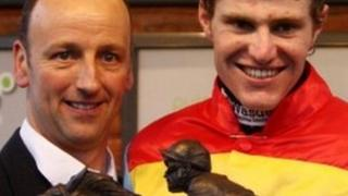 Anthony Knott (l) with jockey Nick Schofield