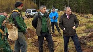 Richard Lochhead with Forestry Commission staff and apprentices