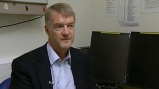 Dr Graham Stuart