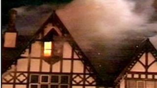 Hen adeilad gwesty;r Grange yn Y Rhyl wedi digwyddiad 2008