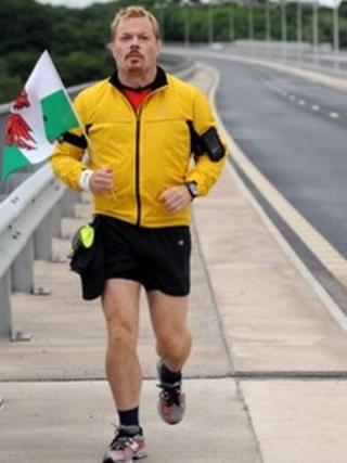 Eddie Izzard, Marathon Man (2009)
