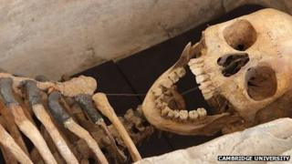 Skeleton of Roman woman found in Cambridge