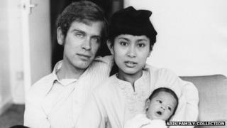 Michael Aris and Aung San Suu Kyi with their son Alexander in London in 1973