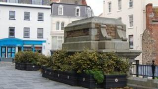 Empty plinth in Market Square