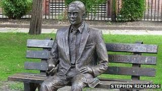 Alan Turing statue in Sackville Park